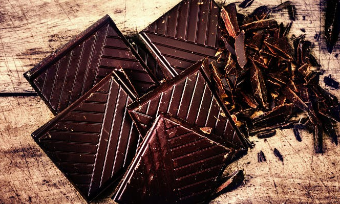 الشوكولاتة السوداء تحتوي على فيتامين دي