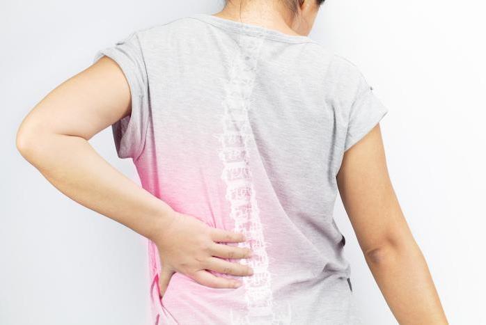 هشاشة العظام من الأعراض المتقدمة لنقص الكالسيوم في الجسم