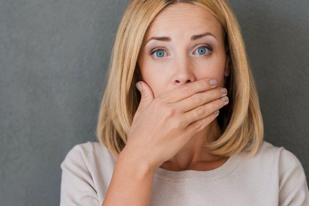 الخروب علاج لرائحة الفم