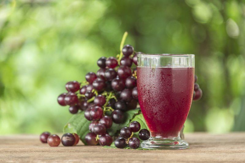 عصير العنب يؤمن الحماية من أمراض القلب