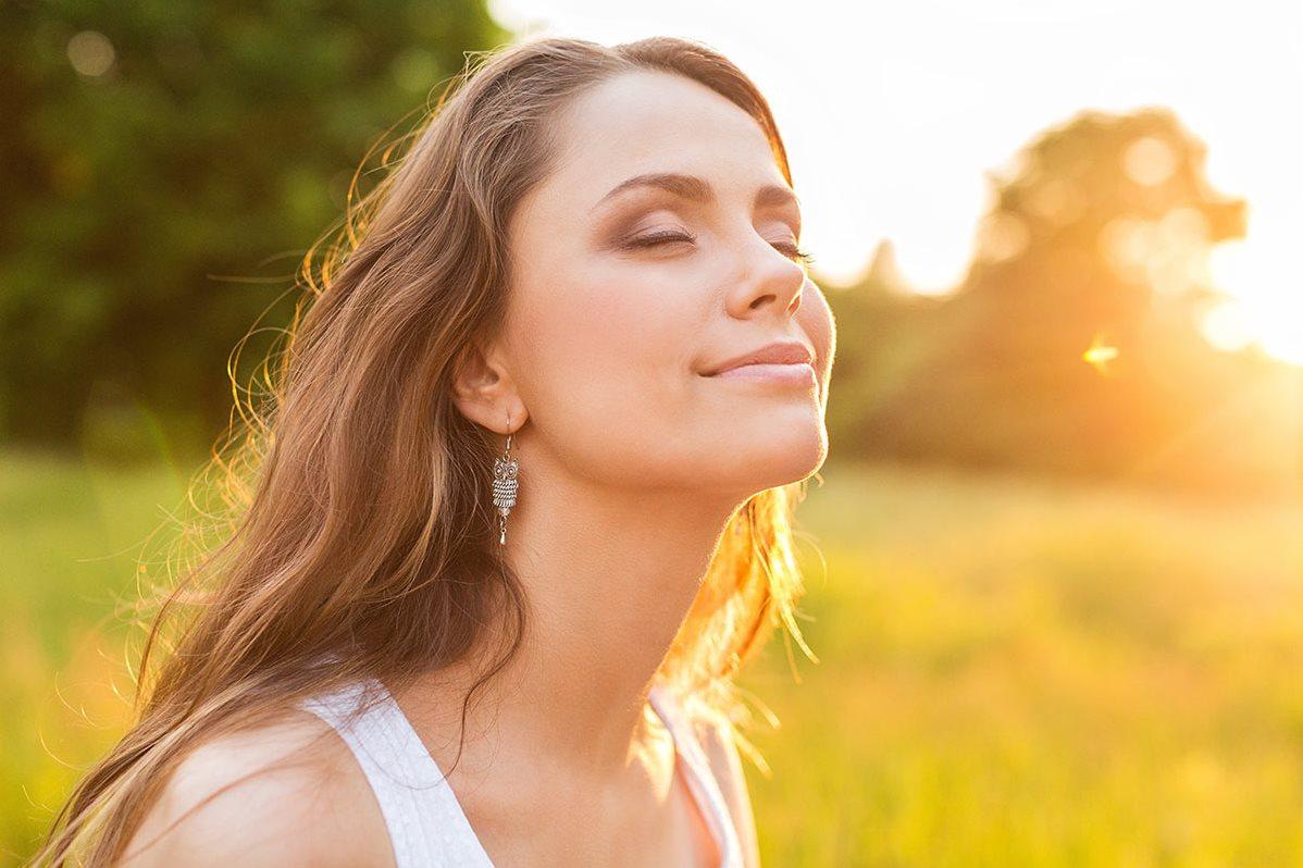 الجسم يصنّع الفيتامين دي تحت أشعة الشمس