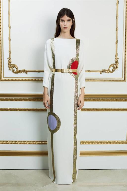 الفساتين الميدي الطويلة مع حزام الخصر من ريم عكرا