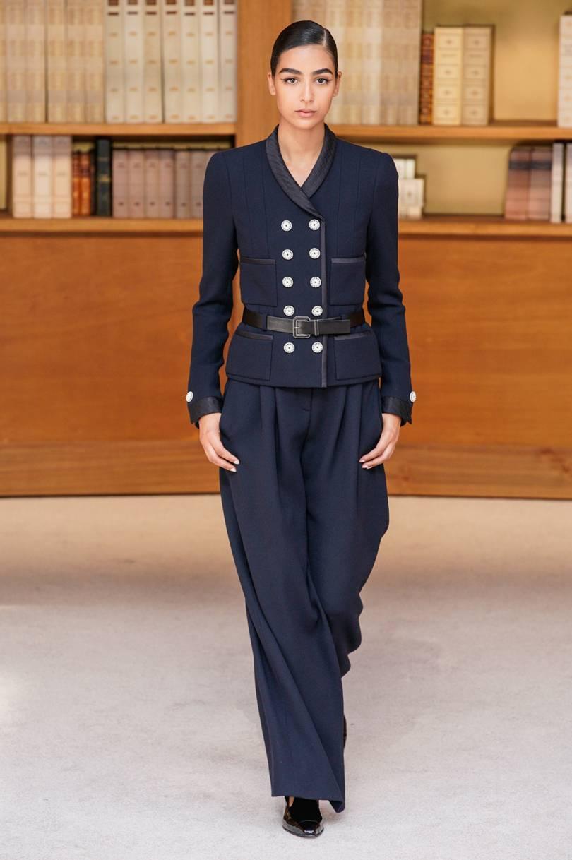 البليزر الكلاسيكي من Chanel