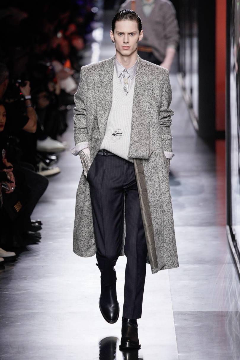 المعطف الطويل بخامات فخمة منDior Men