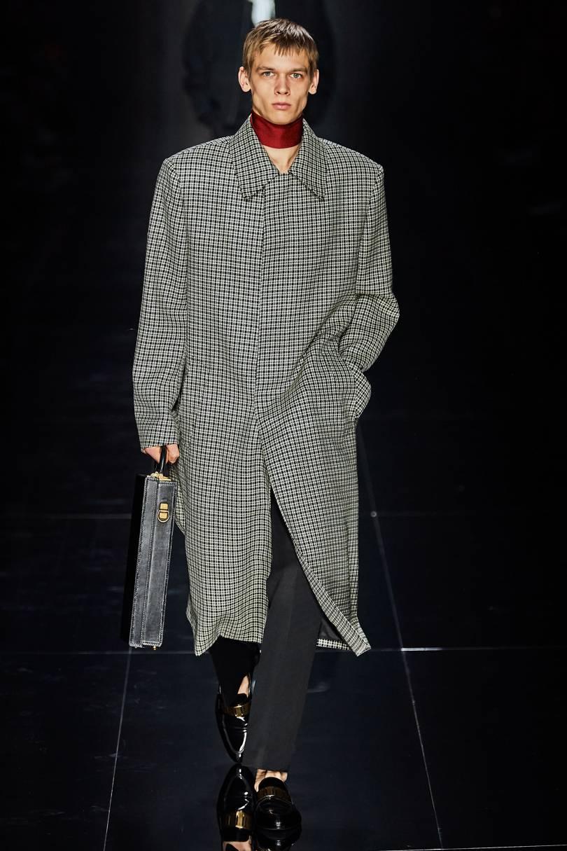 المعطف الكاروهات الرمادي مع الأسود منDunhill