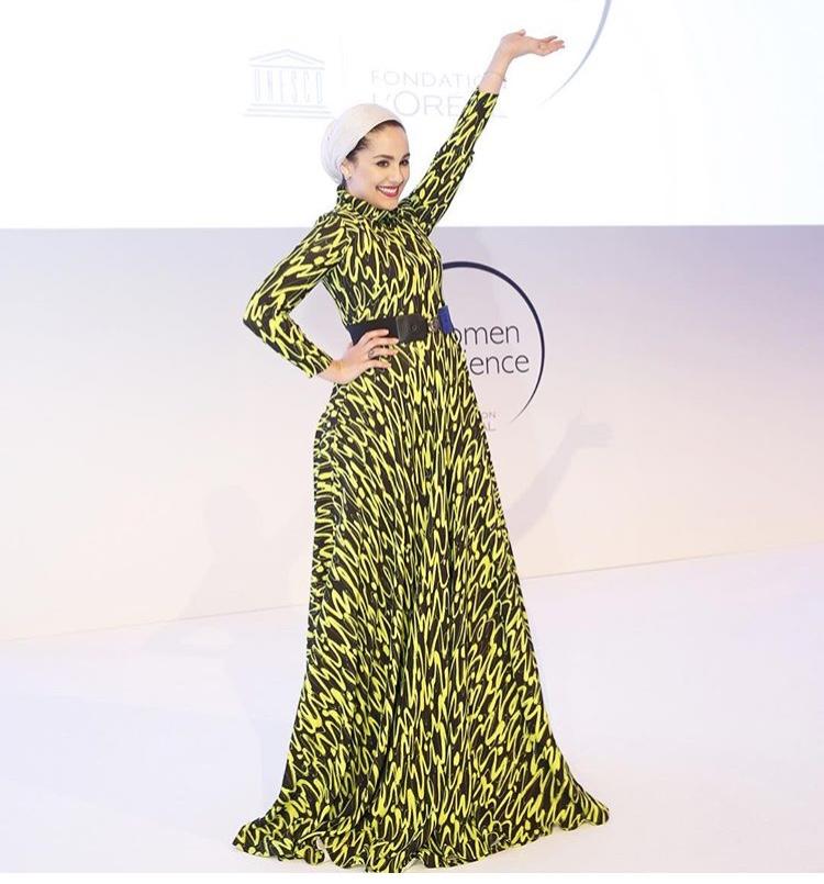 فستان ملون بدرجات الأخضر على طريقة آسيا