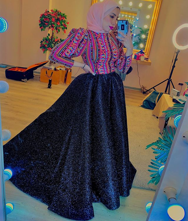 فستان منفوش من رهف الشامي
