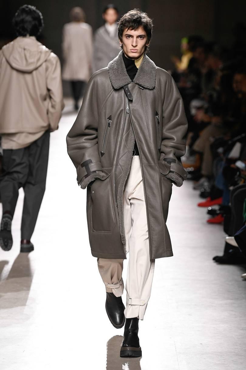 المعطف الجلد مع ياقة الخروف منHermes