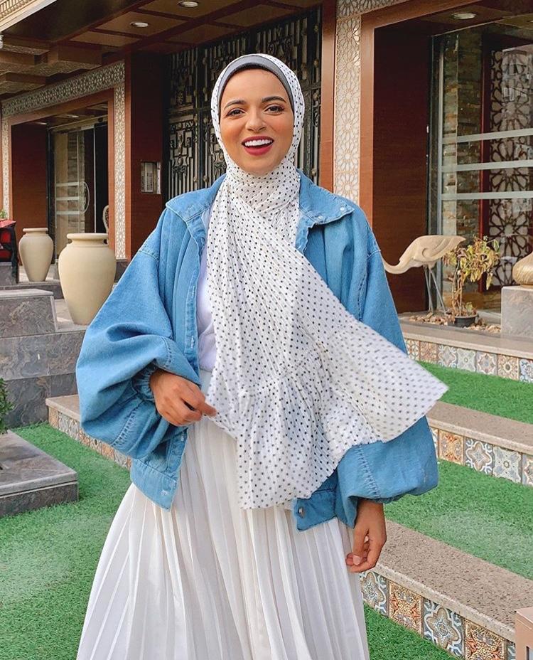 الحجاب المنقط آخر موضة