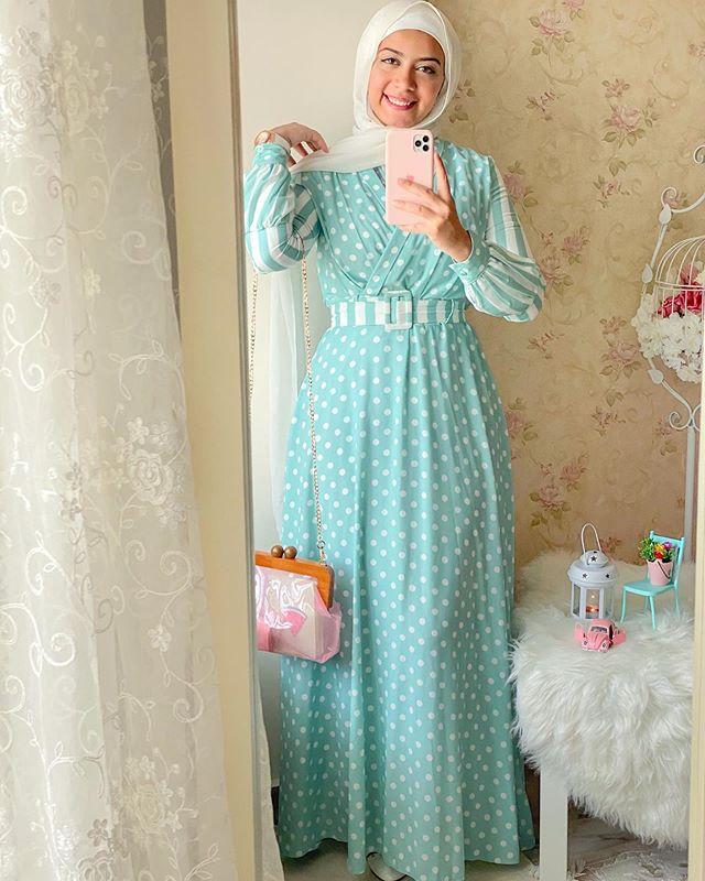 الفساتين المنقطة بألوان الباستيل على غرار علا عبد الحميد