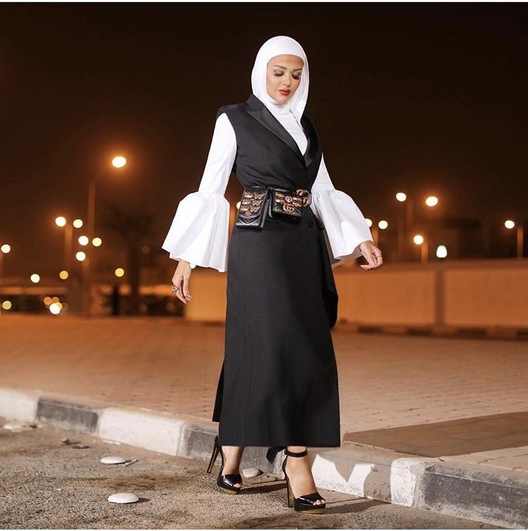 الفستان البليزر الطويل من مرمر محمد
