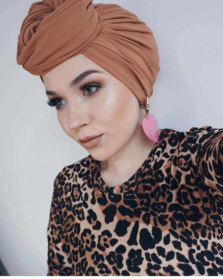 لفة حجاب التوربان العالية من الأمام