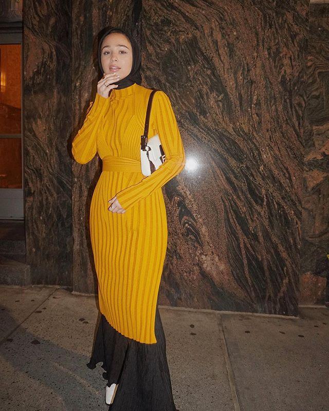 الفساتين العصرية بألوان شبابية