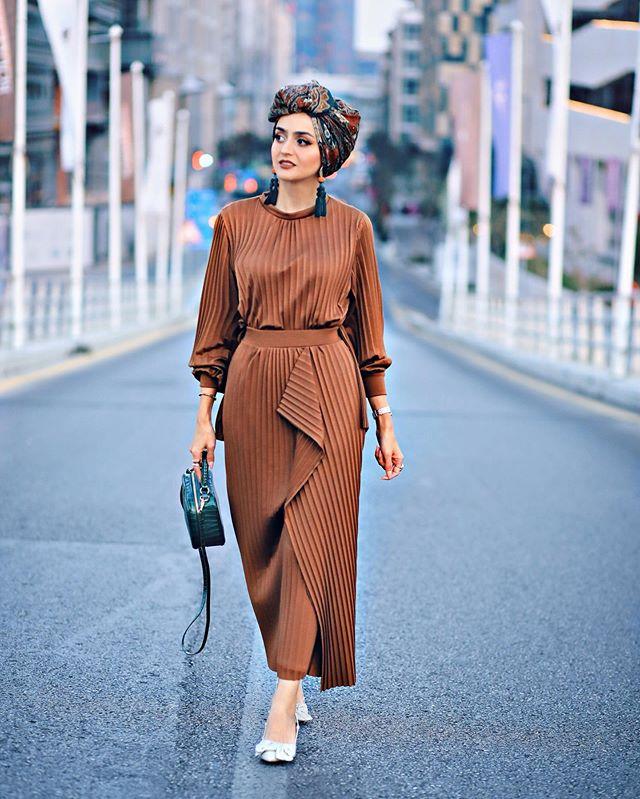الفساتين الطويلة مع الكشكش