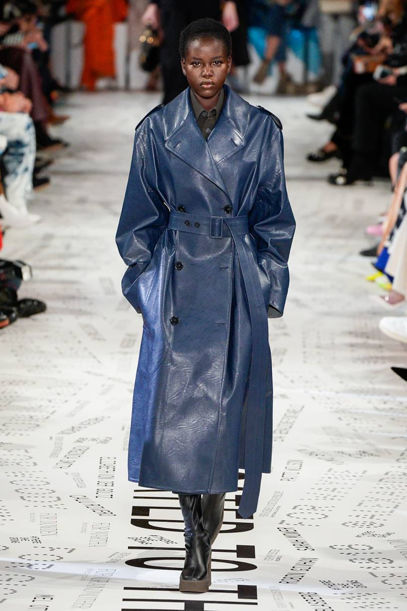 المعطف الجلد الأزرق من Stella McCartney