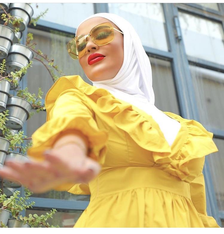 النظارة التي تلائم ألوان الملابس
