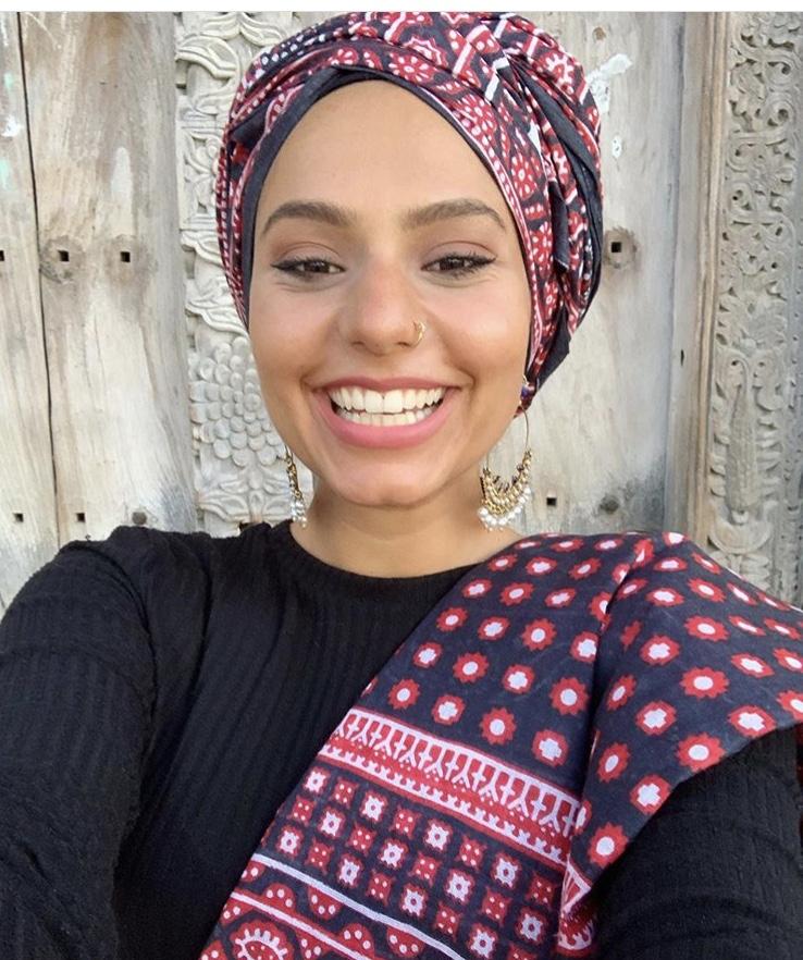لفة حجاب التوربان مع الأقمشة الملونة