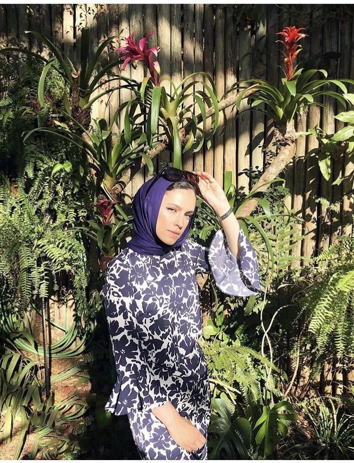الحجاب البنفسجي