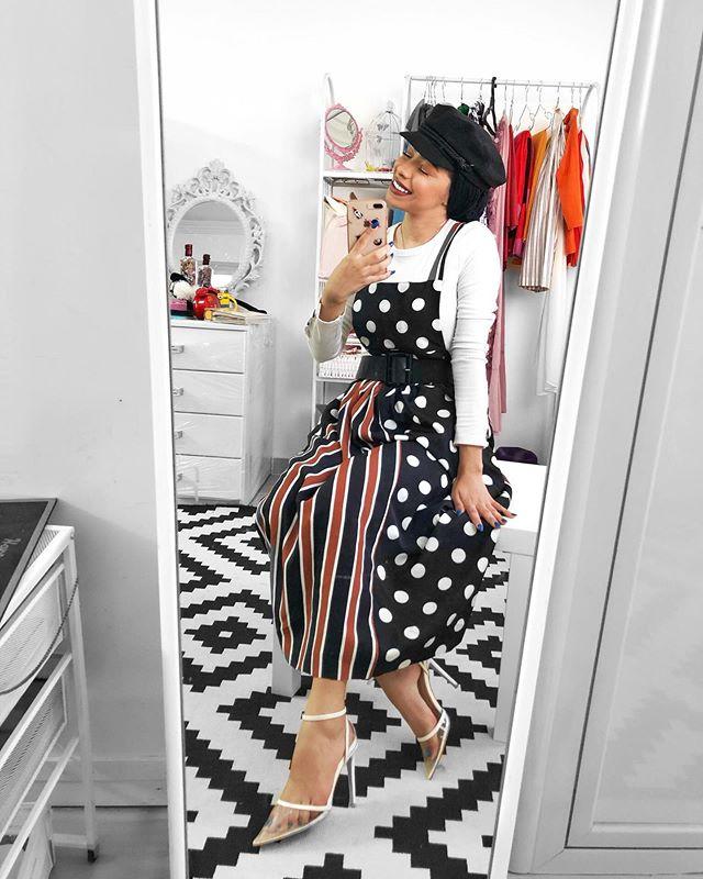 الفستان المنقط الستان بأسلوب منة السني