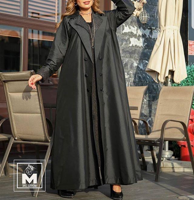 العبايه المعطف باللون الأسود