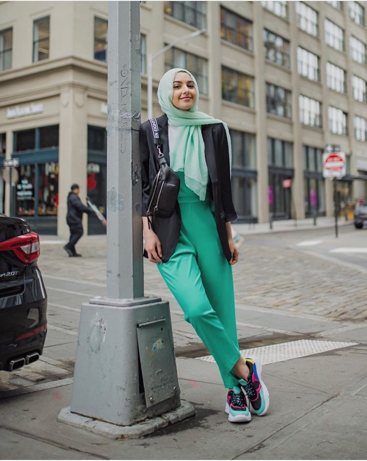 الجمبسوت الأخضر للشابات من سمر البارشا