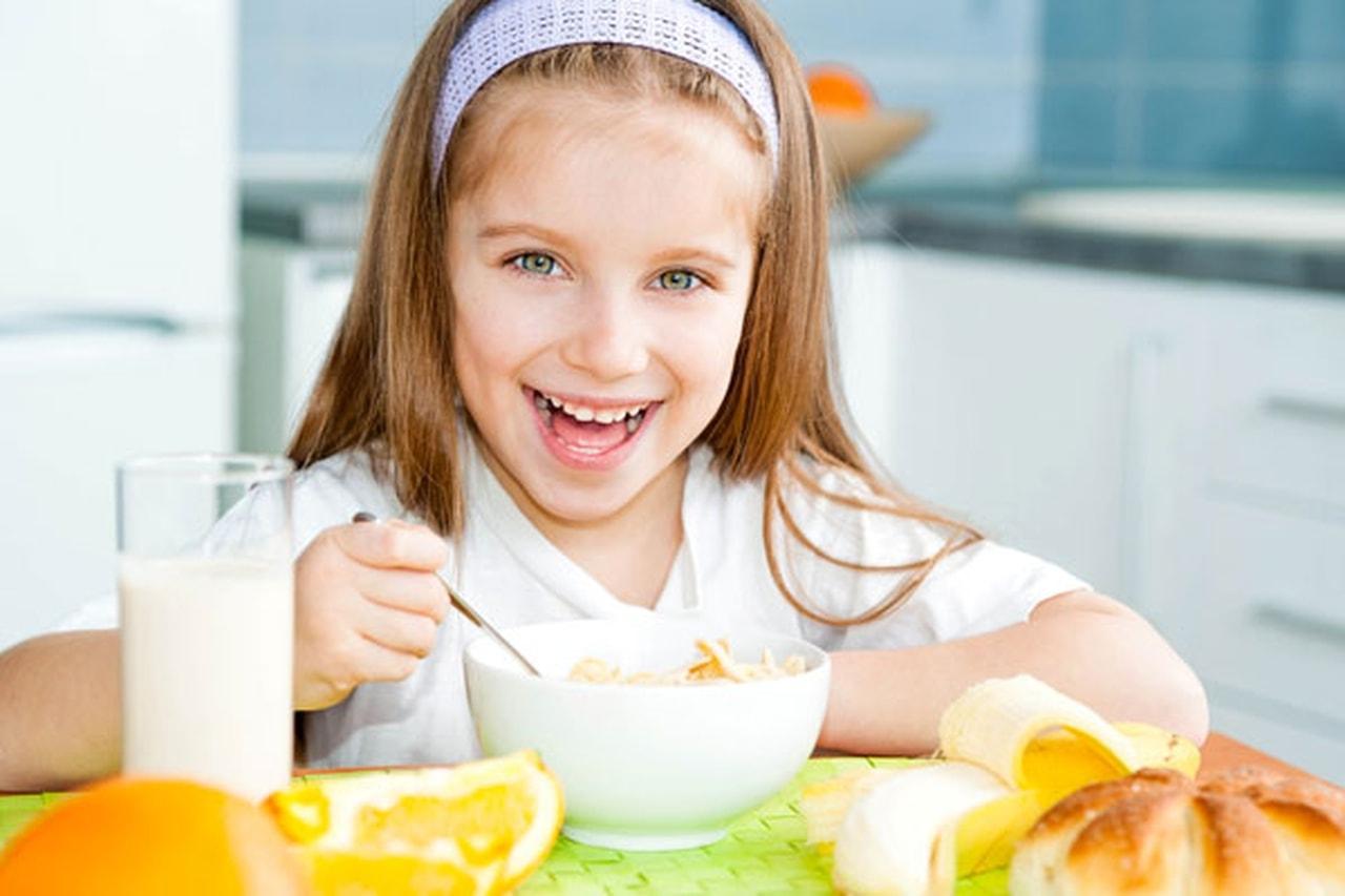 7عادات غذائية صحية لطفلك