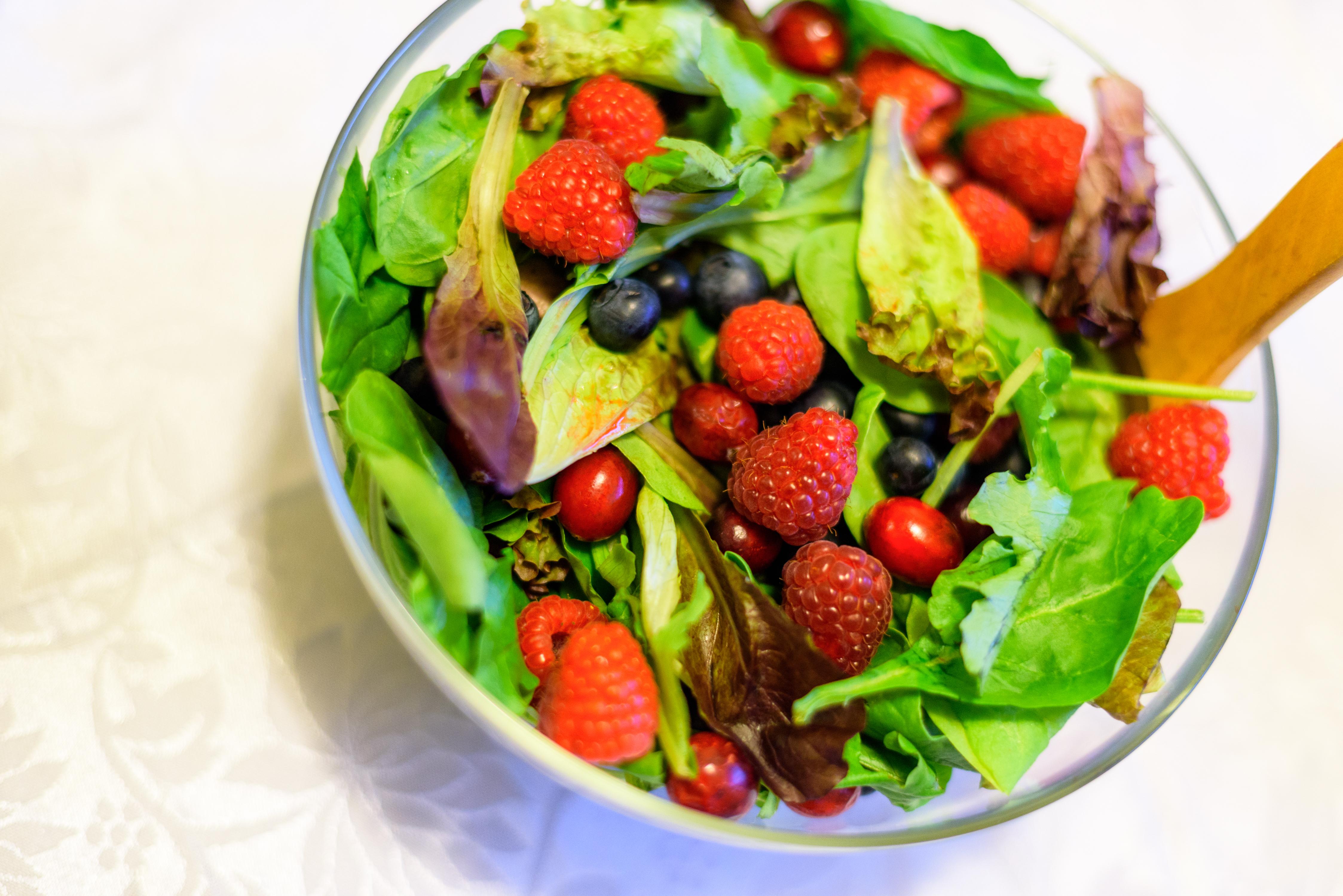 اهتمى بالأطباق الغنية بالفاكهة fkh_blkhdr.jpg