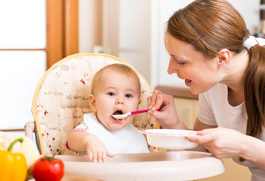 اكل الطفل فى الشهر الخامس ..6أطعمة مفيدة تعرفى عليها