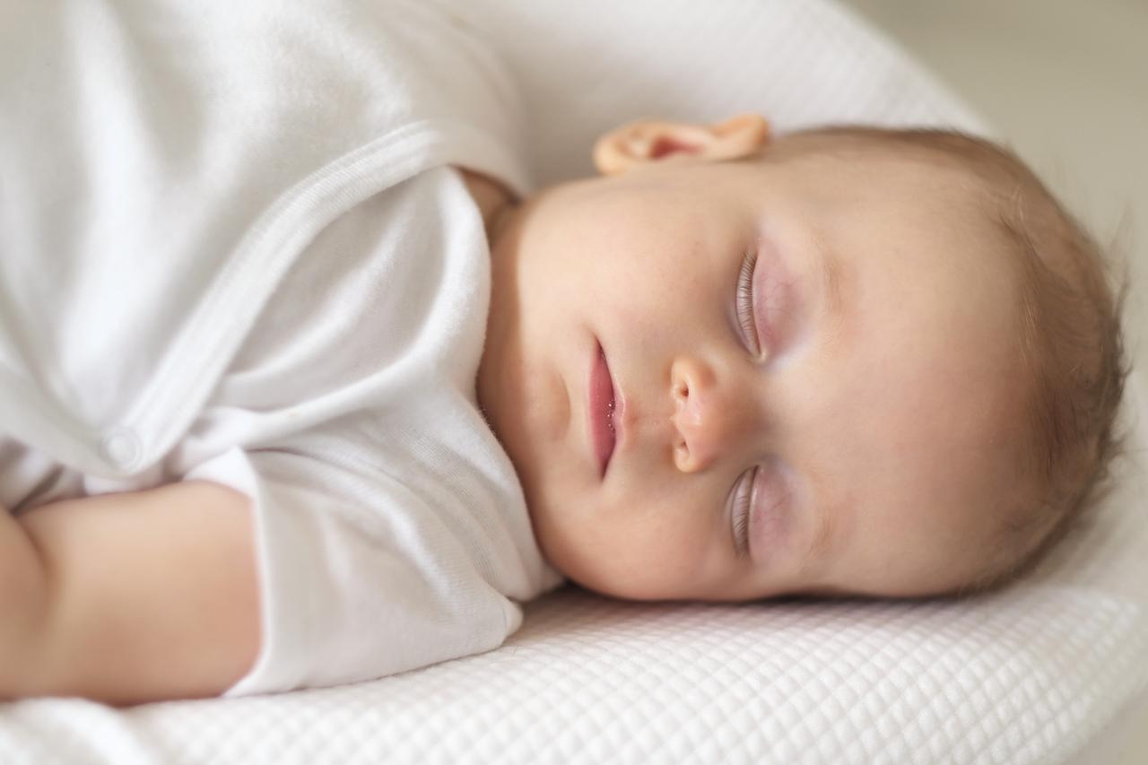 مراحل تطور الرضيع شهر بشهر