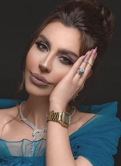 ليلى إسكندر بمجوهرات الذهب الأصفر والأبيض