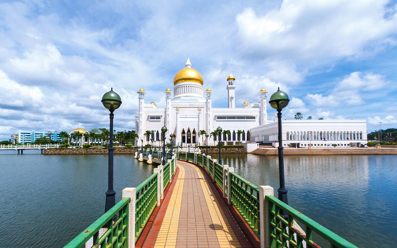 مسجد عمر علي سيف الدين
