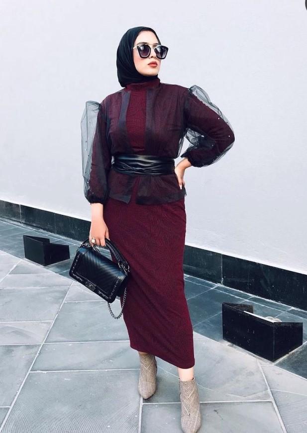 5 تنسيق بلوزة الشيفون مع الفستان من سارة طارق -الصورة من حسابها على الانستغرام