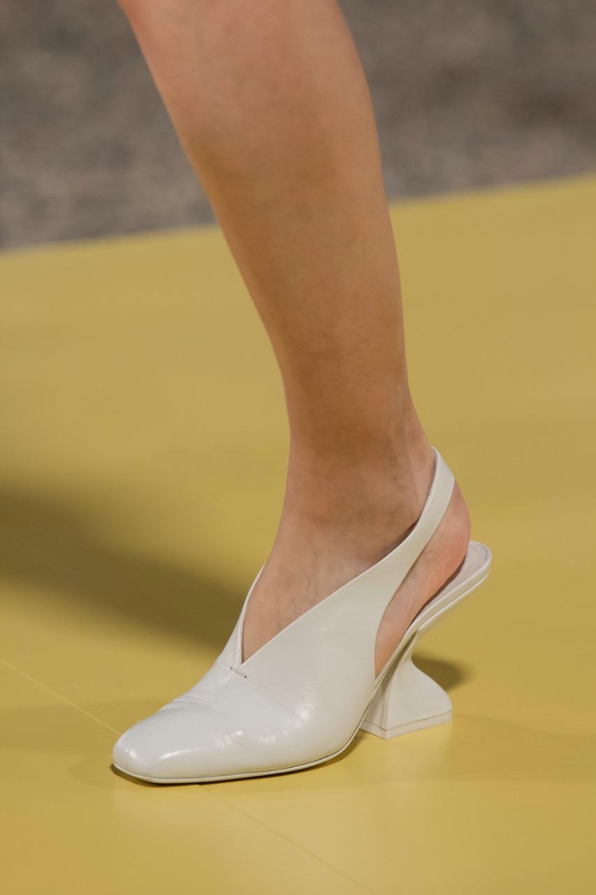 حذاء باللون الأبيض  Salvatore Ferragamo