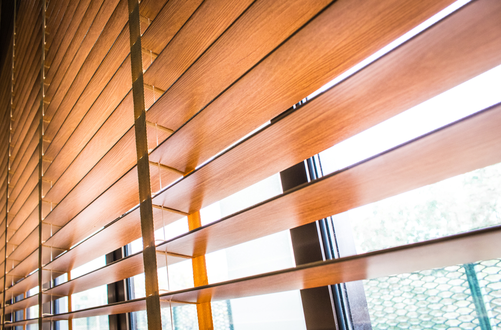 الستائر الخشبية