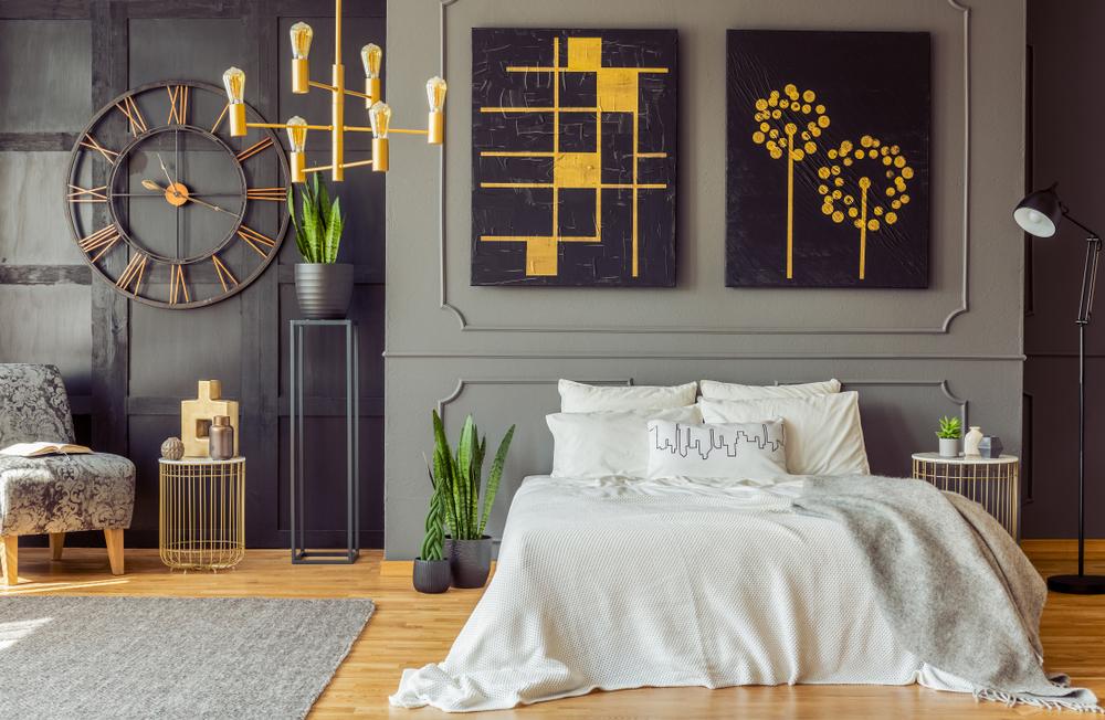 الثريا تؤمن الإضاءة المحيطة في غرف النوم