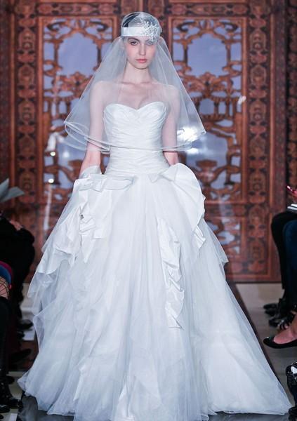9254607c20a17 5 نصائح للعثور على فستان الزفاف المنشود