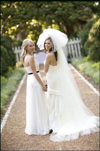 94b4a9e51bbf0 صديقتي سترتدي فستاناً أبيض يوم زفافي...فهل أرفض؟