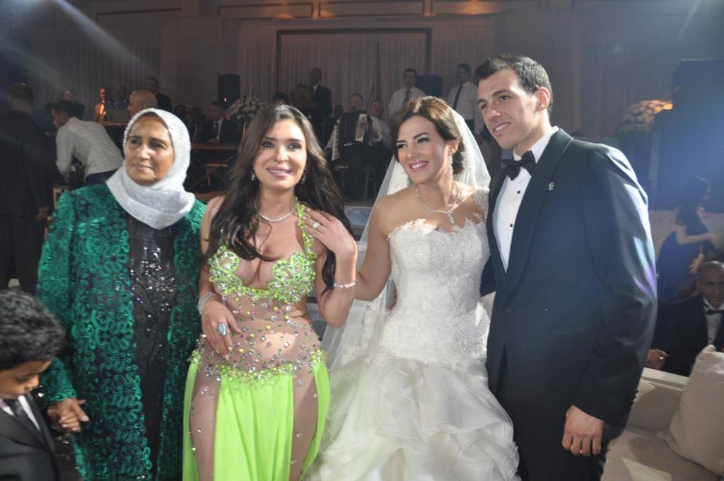 زفاف أسطوريّ لدنيا سمير غانم ورامي رضوان   مجلة سيدتي