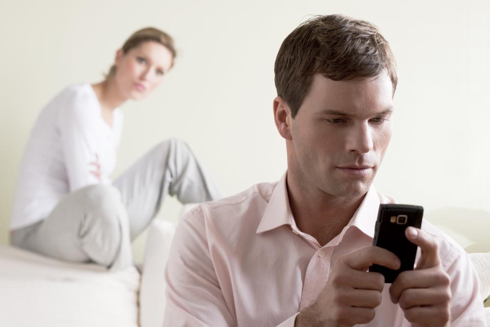 e1010bc50029b 10 نصائح لتبعدي عن زوجك فكرة الخيانة