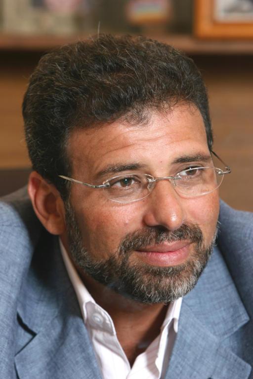 هروب خالد يوسف بعد هجوم الفنّانين عليه