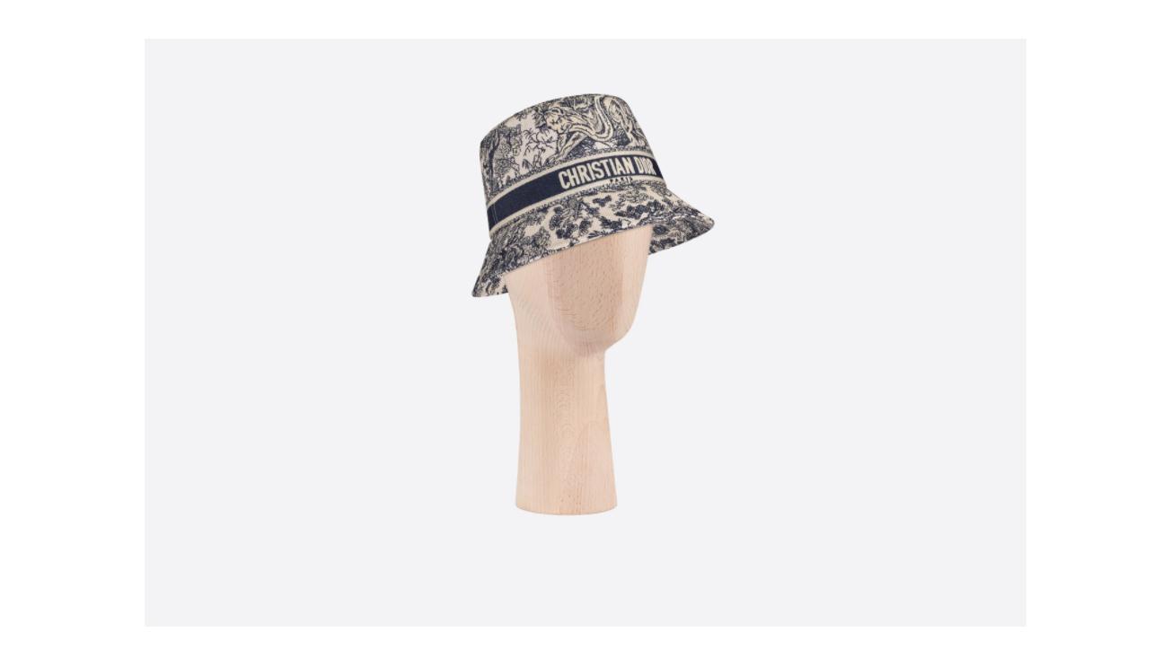 قبعة من ديور