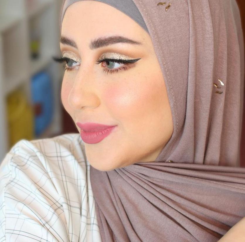 1 شهد ناصر بمكياج لامع للعينين -الصورة من حسابها على الانستغرام