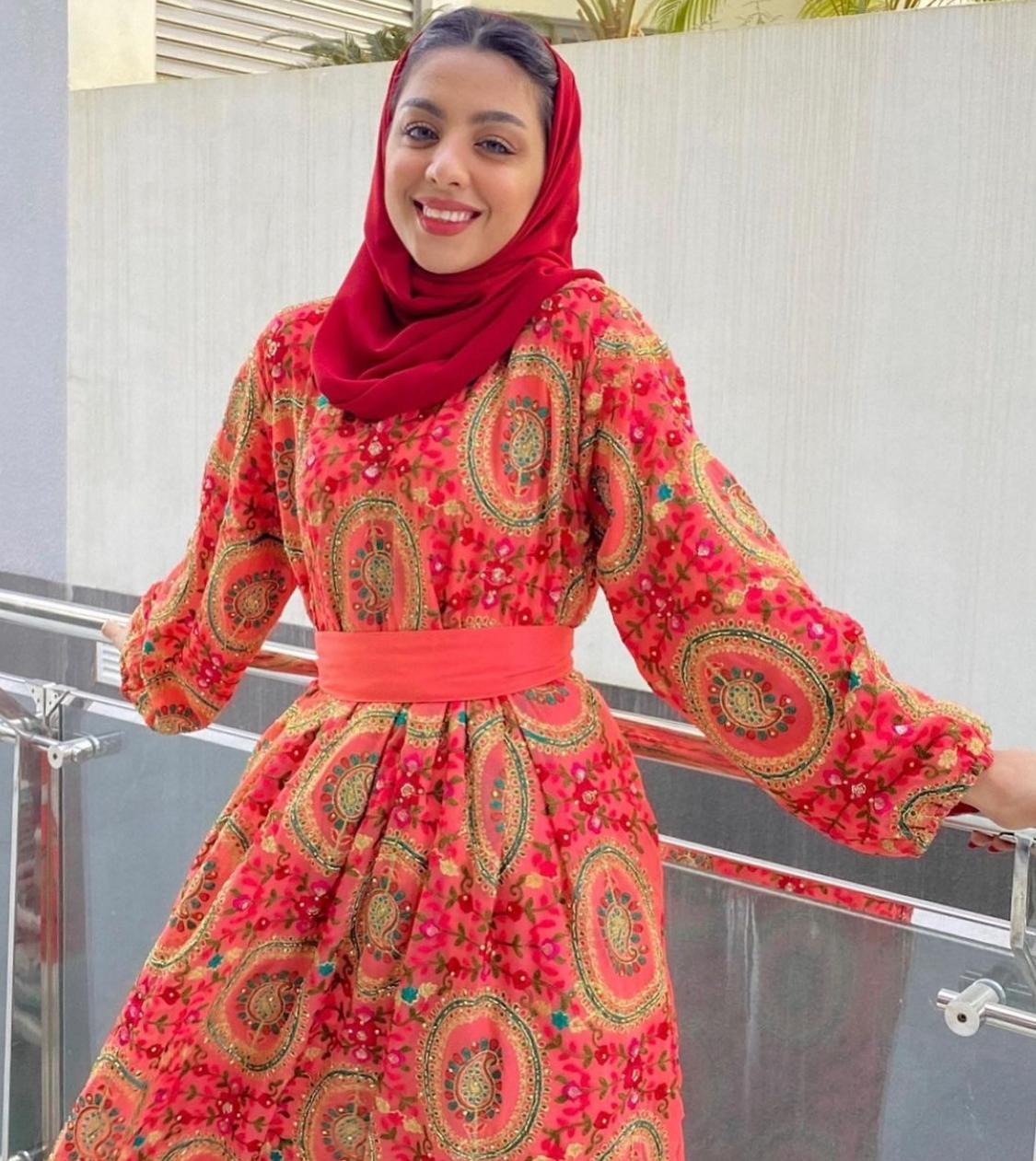2 فستان مطبع باسلوب تراثي من الخنساء -الصورة من حسابها على الانستغرام