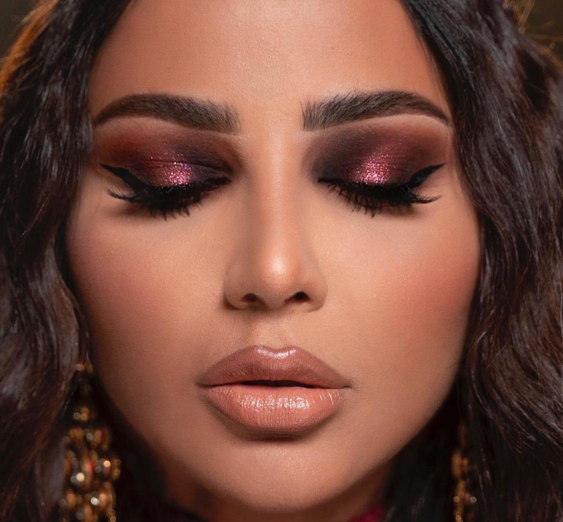 2 مهيرة عبدالعزيز بمكياج العيون اللامع -الصورة من حسابها على الانستغرام