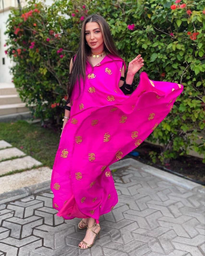 رندا حجاج بفستان فوشيا رمضاني -الصورة من حسابها على الانستغرام