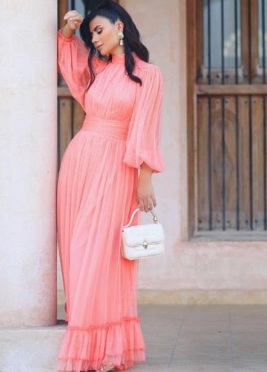 ديما الأسدي بفستان بتصميم الكشكش -الصورة من حسابها على إنستغرام-صورة 3