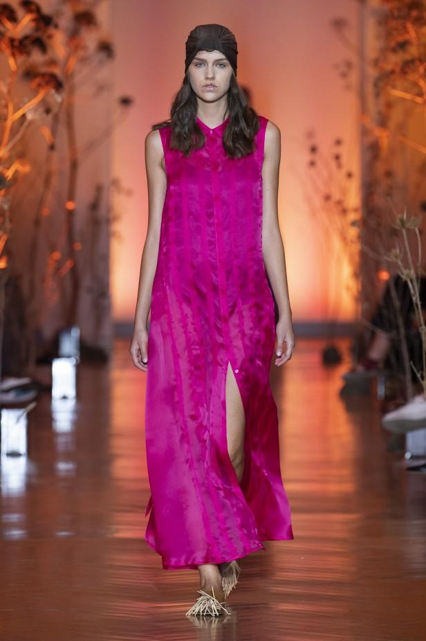 فستان سهرة طويل من كاترينا مورو Caterina Moro