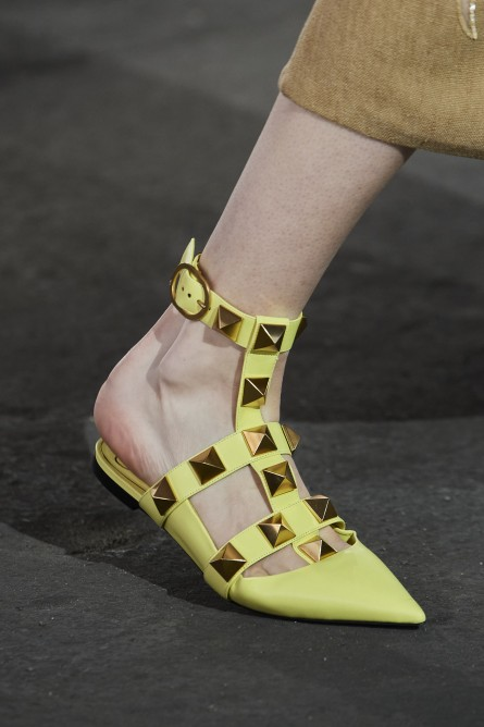 حذاء أخضر باستيل من فالنتينو Valentino