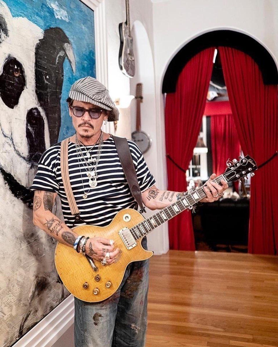 جوني ديب سعيد بأن ابنته ليلي روز شغوفة بالفن مثله-الصورة من أنستغرام