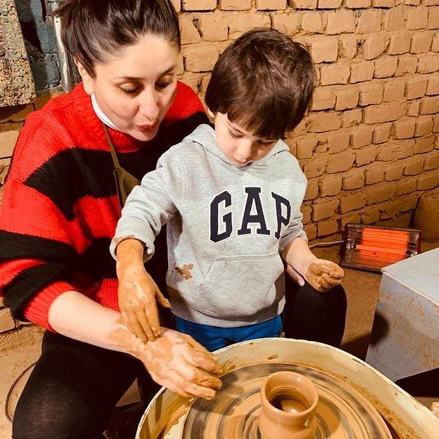 كارينا تعلم إبنها صنع الفخار-الصورة من أنستغرام